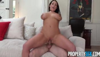 Having a knob inside her throat makes babe very