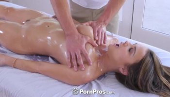 Yurizan Beltran takes stiff cock in her shaved pussy
